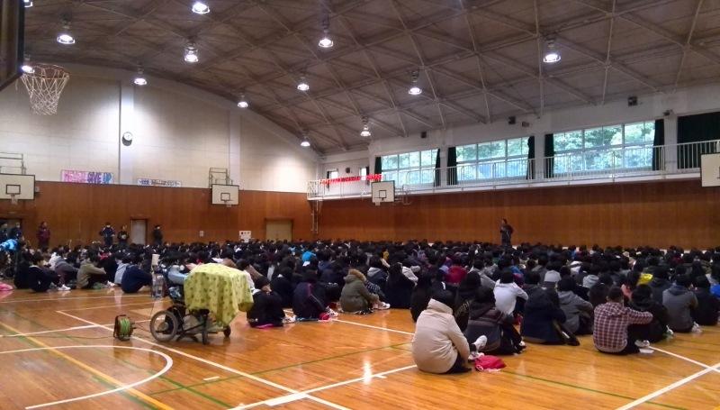 豊中第14中学校体育館での講演会