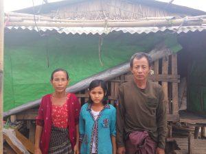 両親と奨学生のピアエ