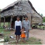 カンボジア:奨学金を申請している小6の生徒、ライダ