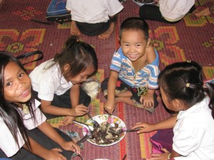 ラオスの学校給食普及事業