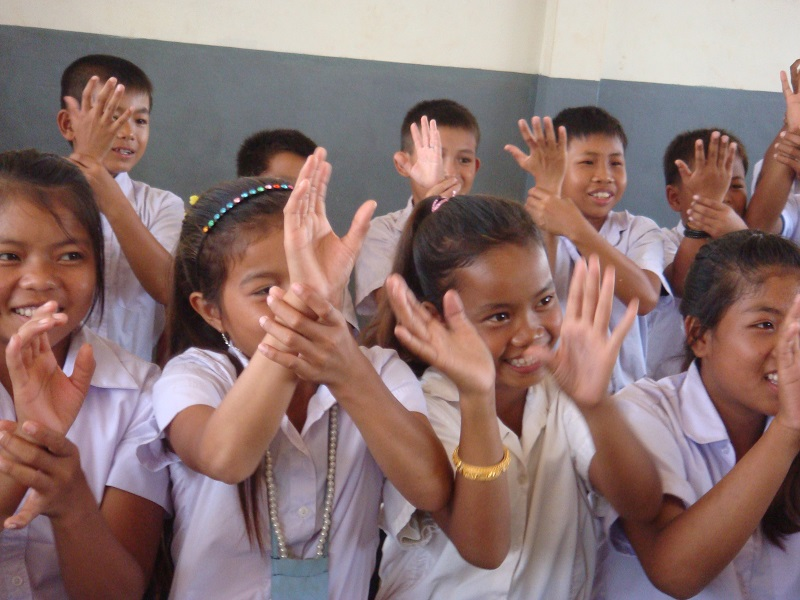 ラオスでのボランティア活動